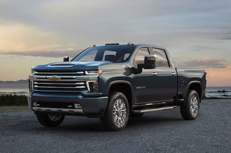 2020 Chevrolet Silverado 2500hd High Country Front Quarter 01