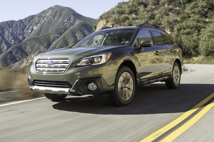 2016 Subaru Outback 25i Limited Front Three Quarter In Motion E1456333827991