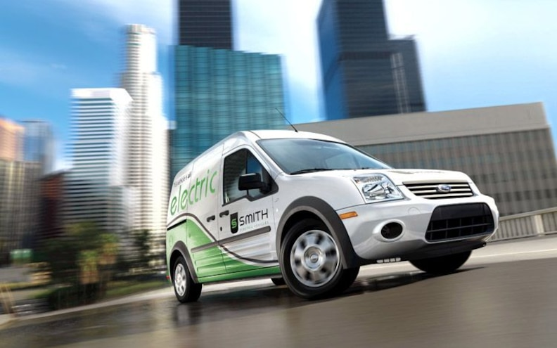 2010 Ford Transit Connect front Three Quarter
