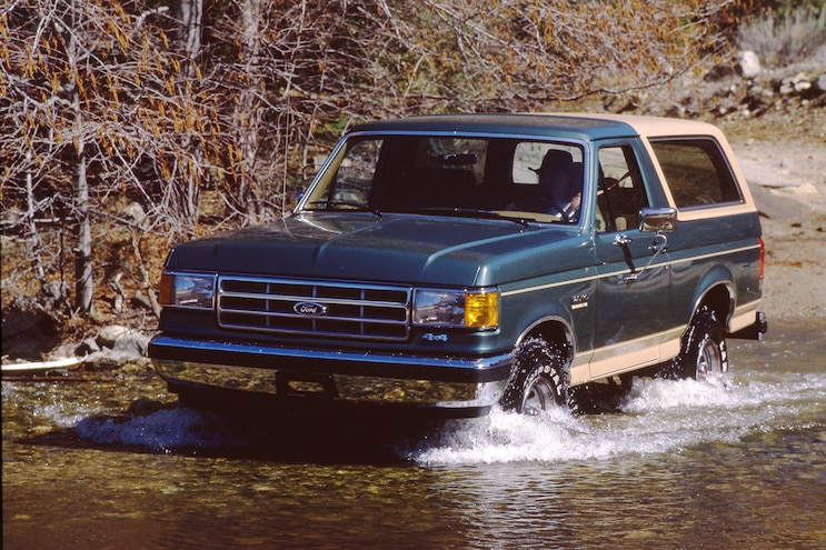 030 1988 Ford Bronco BWS Wtaer Crossing
