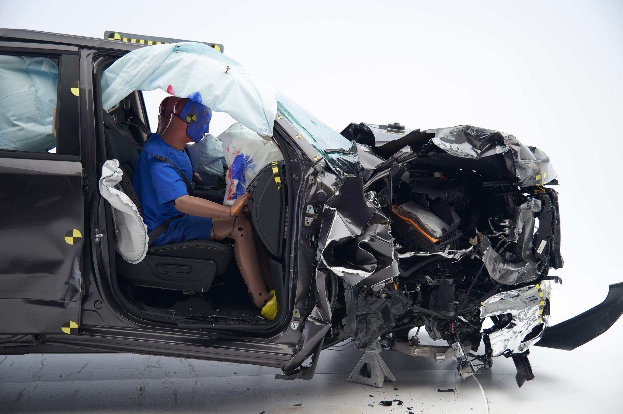 2019 Ram 1500 Aces Iihs Crash Tests Headlights Fall Short