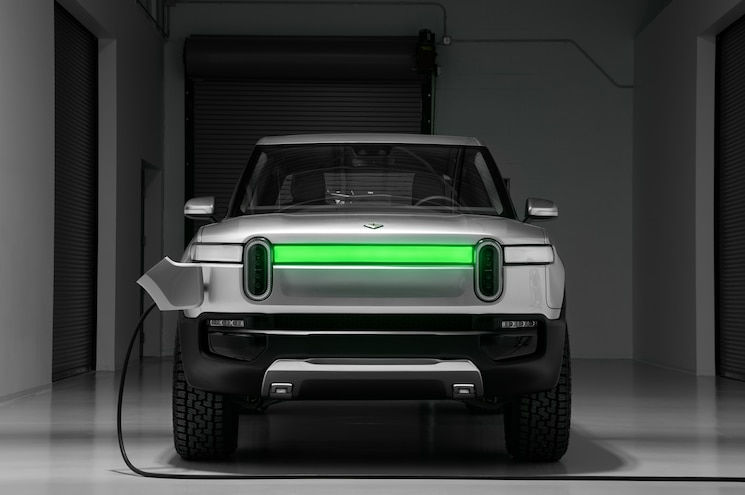 2021 Rivian R1t Exterior Lighting Charge Indicator