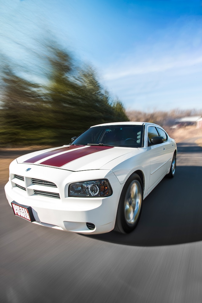 005 2006 Dodge Charger Driving