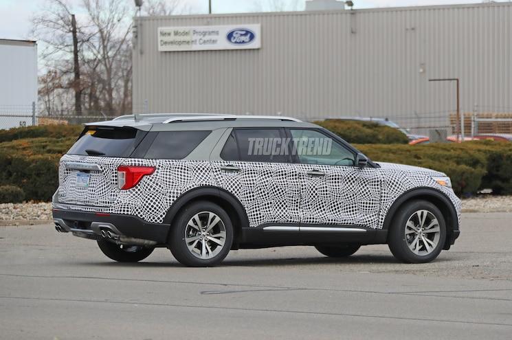 2020 Ford Explorer Platinum Spied Rear Quarter 01