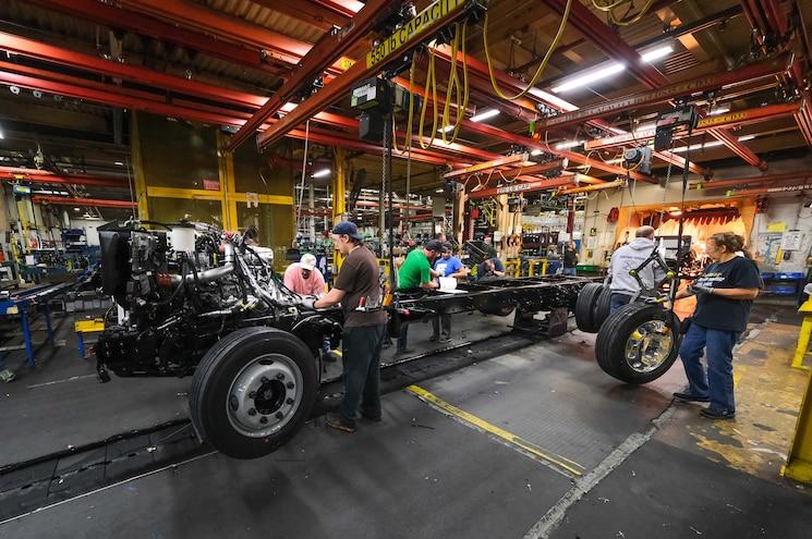 2019 Chevrolet Silverado Medium Duty Chassis Production Line 01