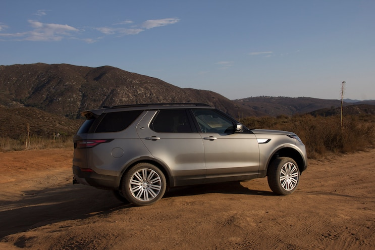 06 2018 Land Rover Discovery Hse Luxury Four Wheeler Of The Year