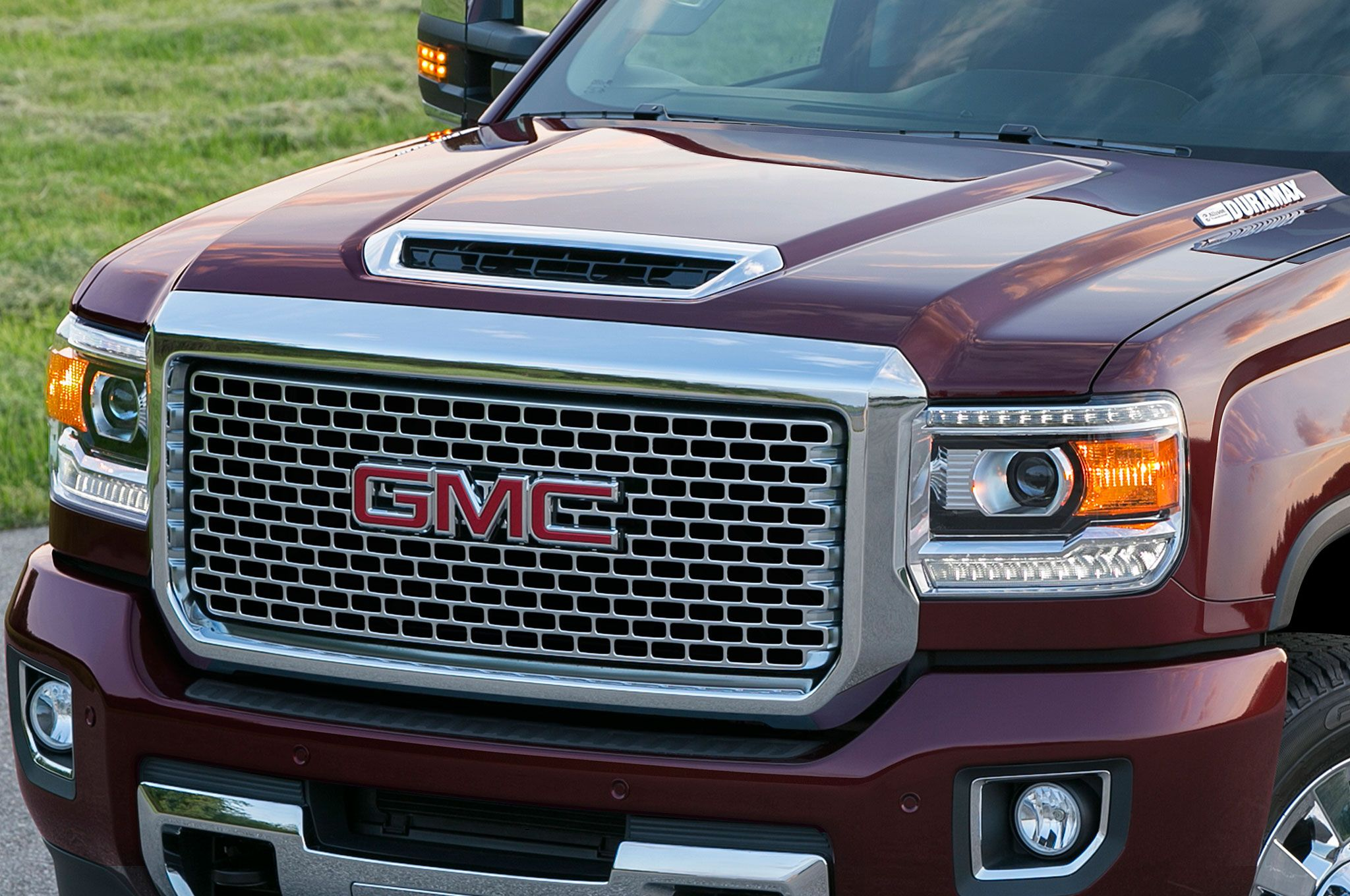 2016 Duramax Specs >> Gm Scoops Itself With L5p Duramax Output 445 Hp 910 Lb Ft