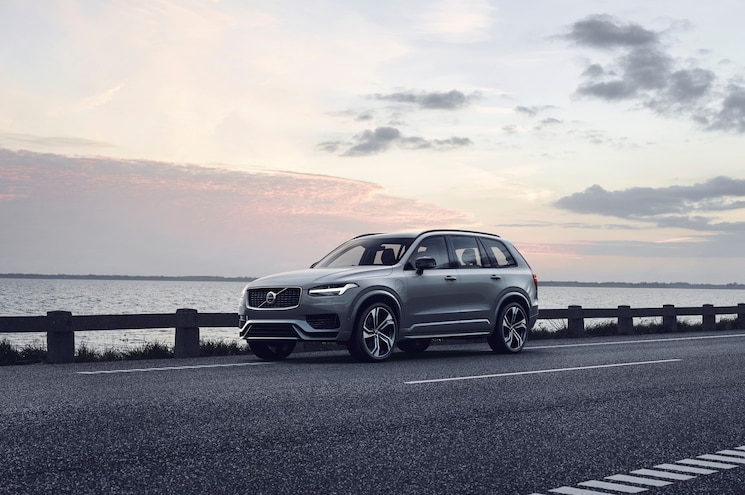2020 Volvo XC90 Gets a Few Updates, Company Introduces Mild Hybrids