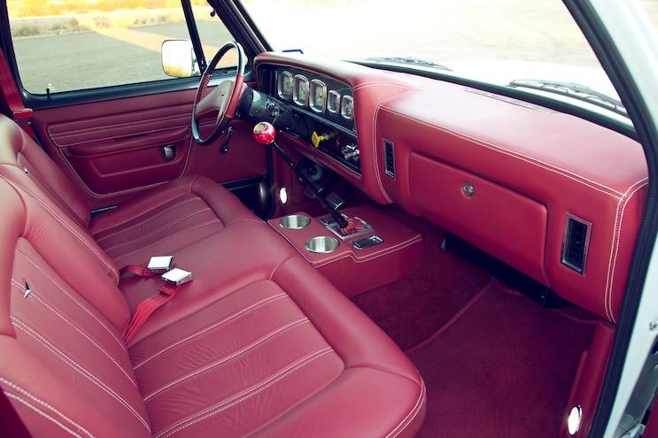 Restomod 1985 Dodge D350 Dually 10