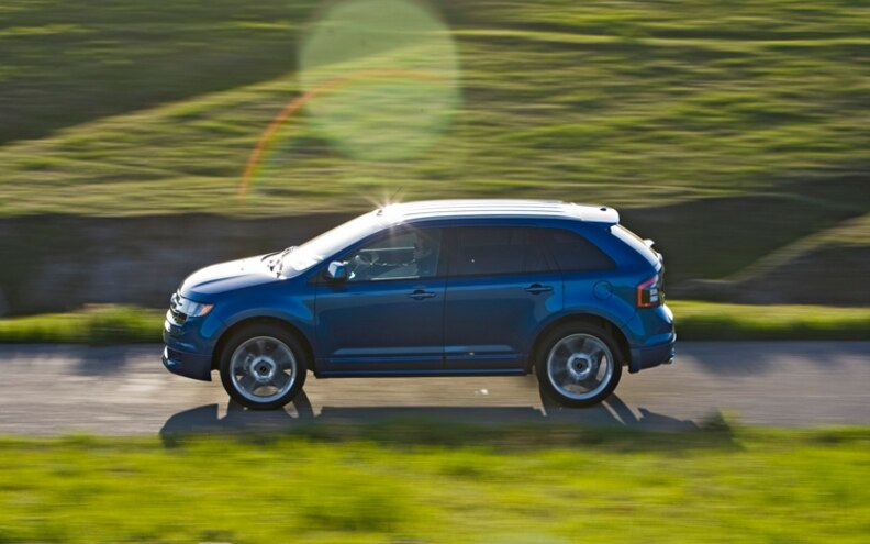 2009 Ford Edge Sport driver Side Rolling View