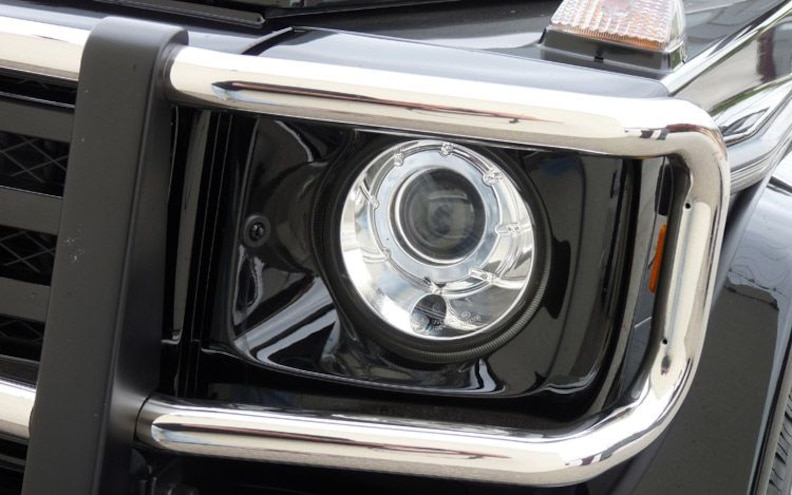 2009 Mercedes Benz G550 headlamp
