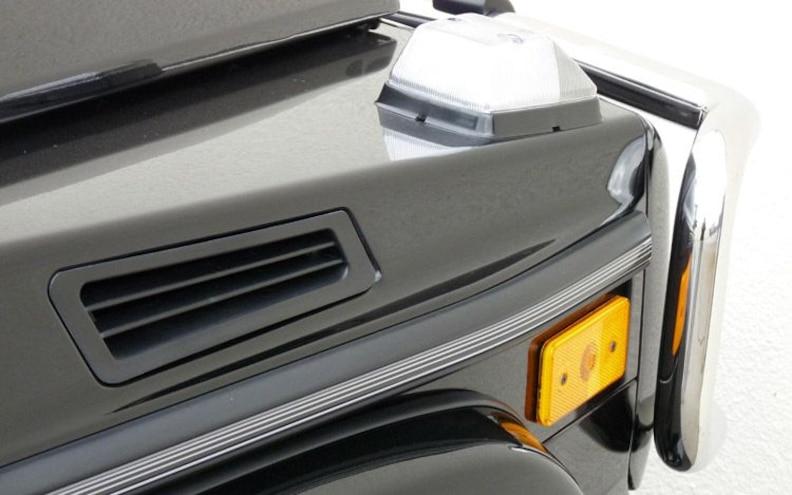 2009 Mercedes Benz G550 hood Gill