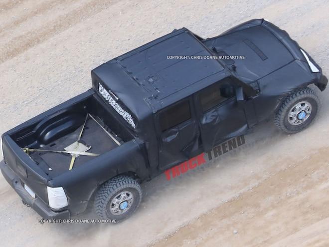2019 Jeep Wrangler JL Pickup Spyshots 10