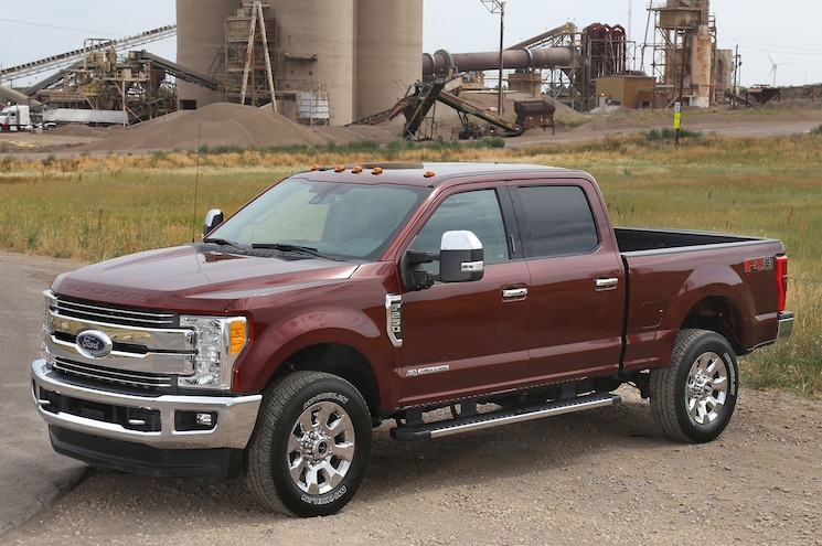 2017 Ford F-250 Super Duty 4x2 Gets Five-Star Safety Rating, 4x4 Gets Four Stars
