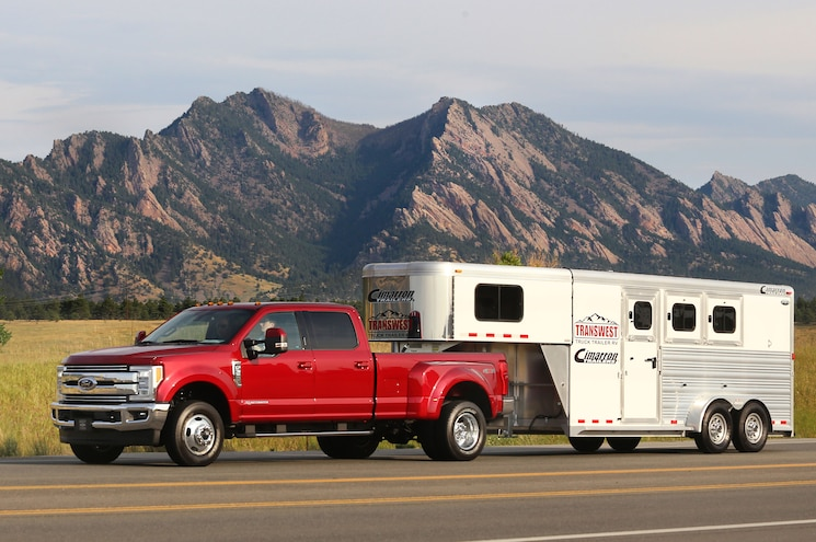 2017 Ford F 350 Super Duty Dualie Horse Trailer