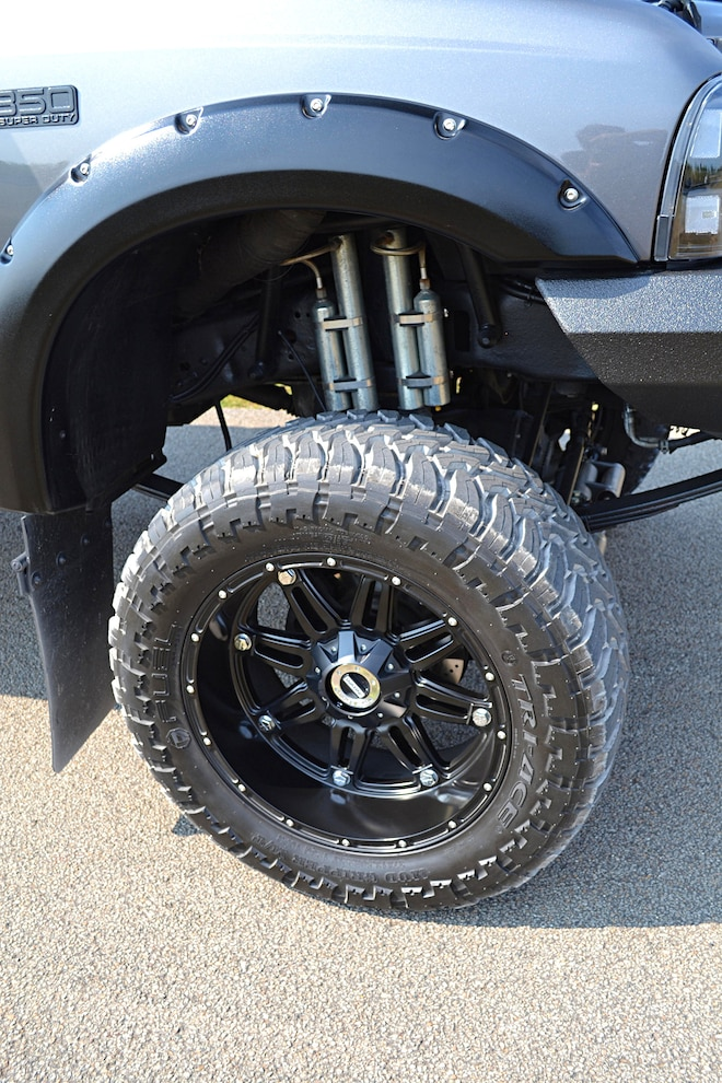 2004 Ford F 350 Front Suspension And Fender Flares