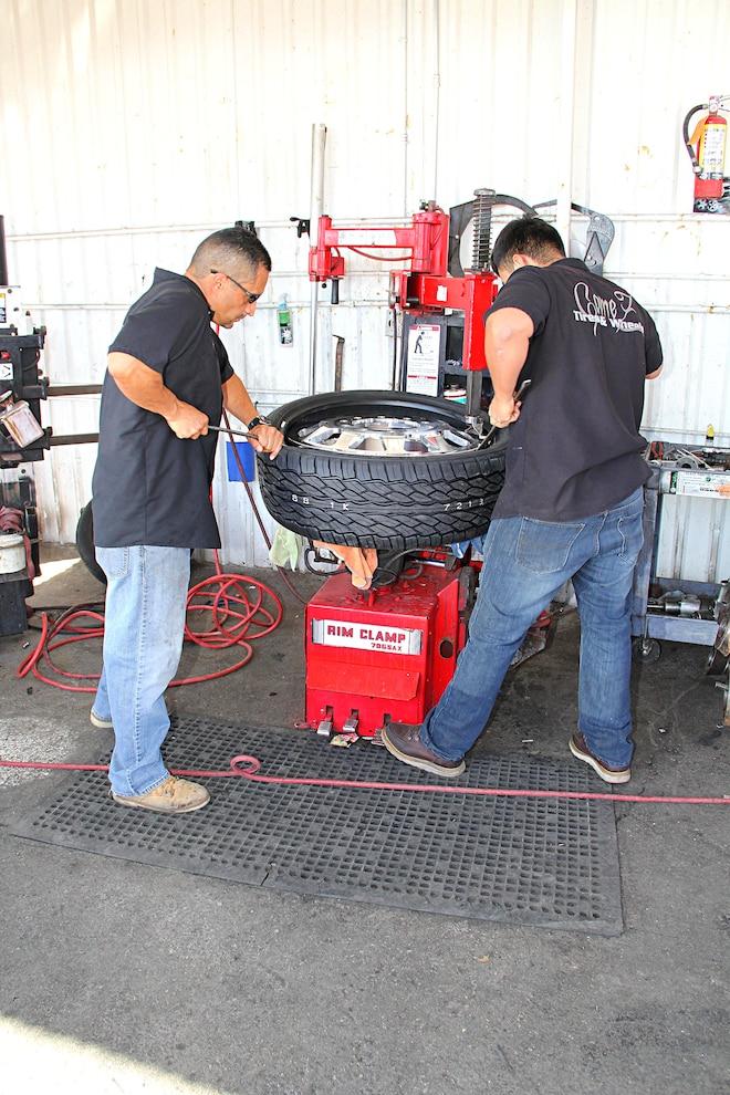 2012 Gmc 3500 Hd Sierra Lowering Hoisting
