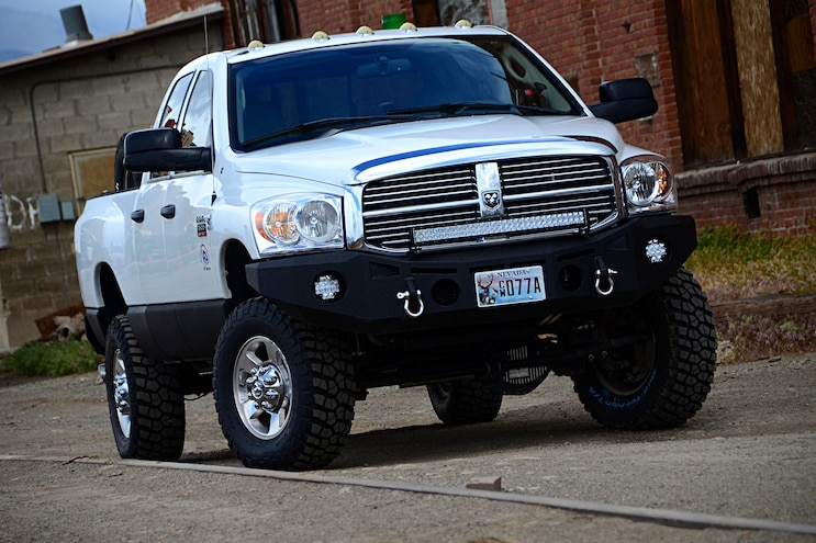2007 Dodge Ram 2500 Front Quarter View