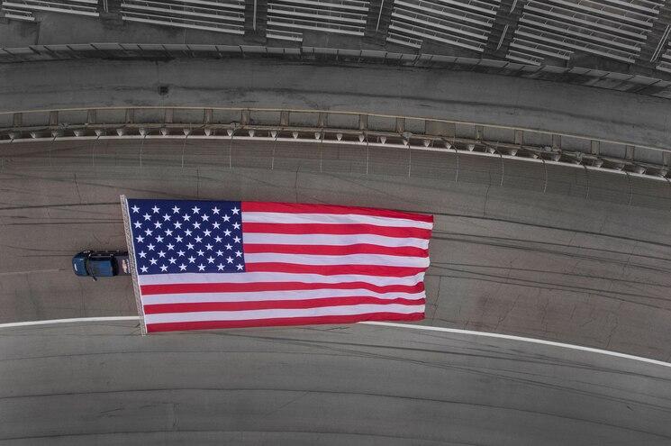 2017 Chevrolet Silverado Hd American Flag Overhead