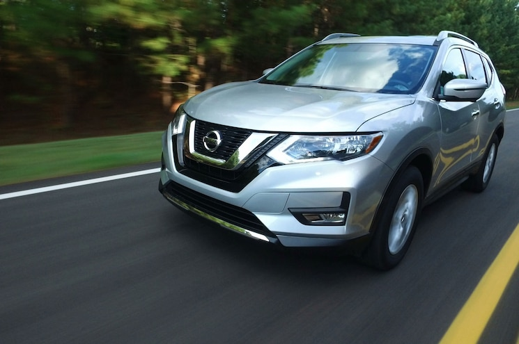 2017 Nissan Rogue Sv Front Three Quarter In Motion 03