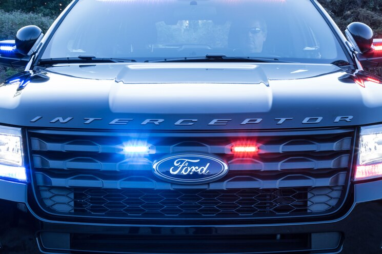 2017 Ford Police Interceptor Utility Front Grille Lights 01