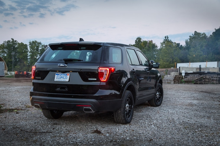 2017 Ford Police Interceptor Utility Rear Spoiler Traffic Warning Lights 02