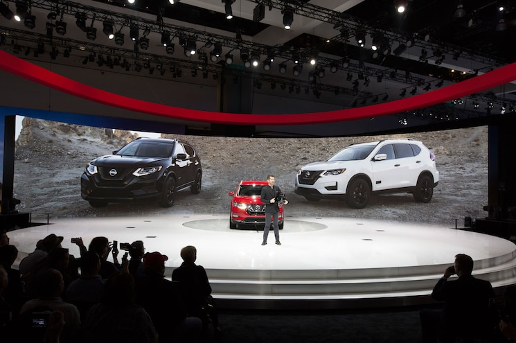 2017 Nissan Rogue One Star Wars Reveal 01