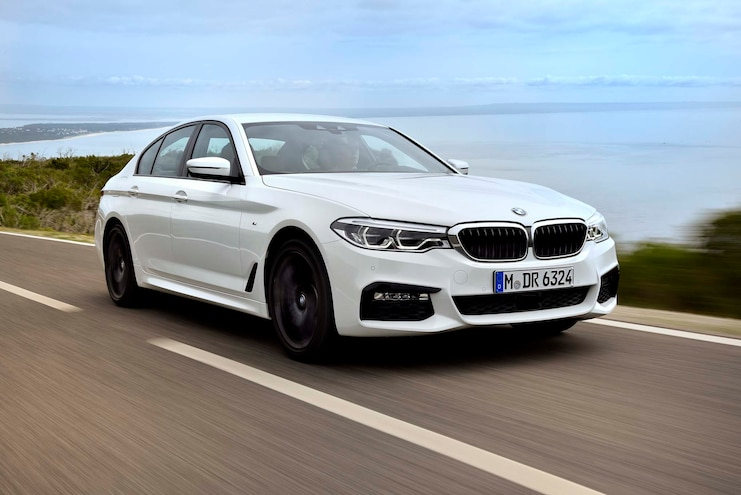 2017 BMW 540i Front Three Quarter In Motion 06