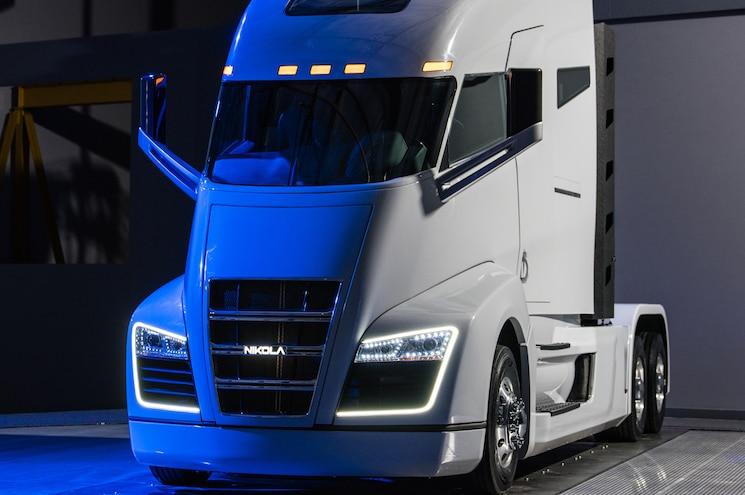 Nikola One Hydrogen Fuel Cell Class 8 Truck Revealed In Salt Lake City