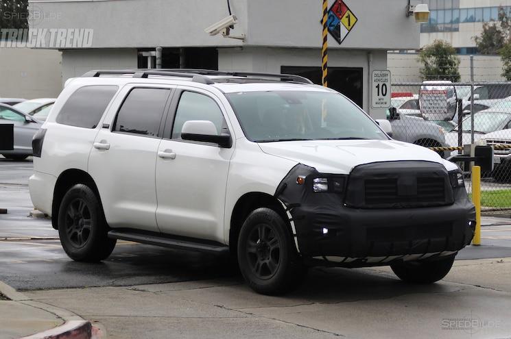 Toyota Sequoia Spied Front Quarter 01