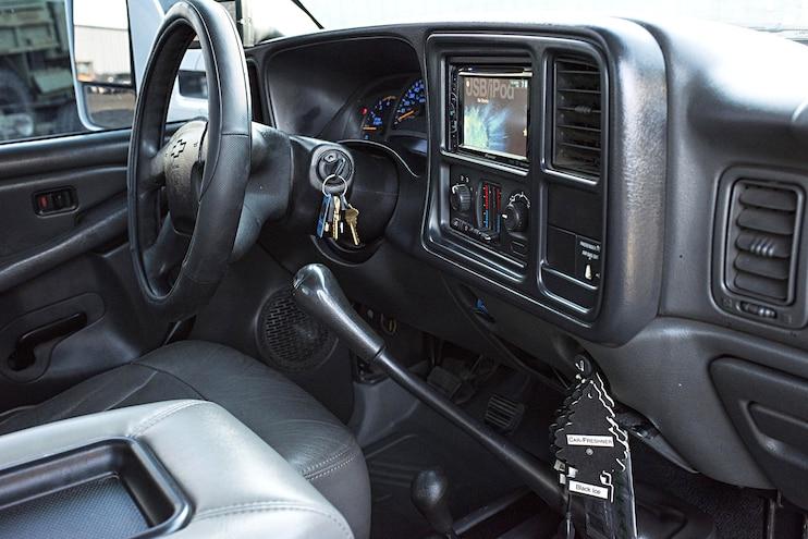 011 2003 Silverado 2500hd