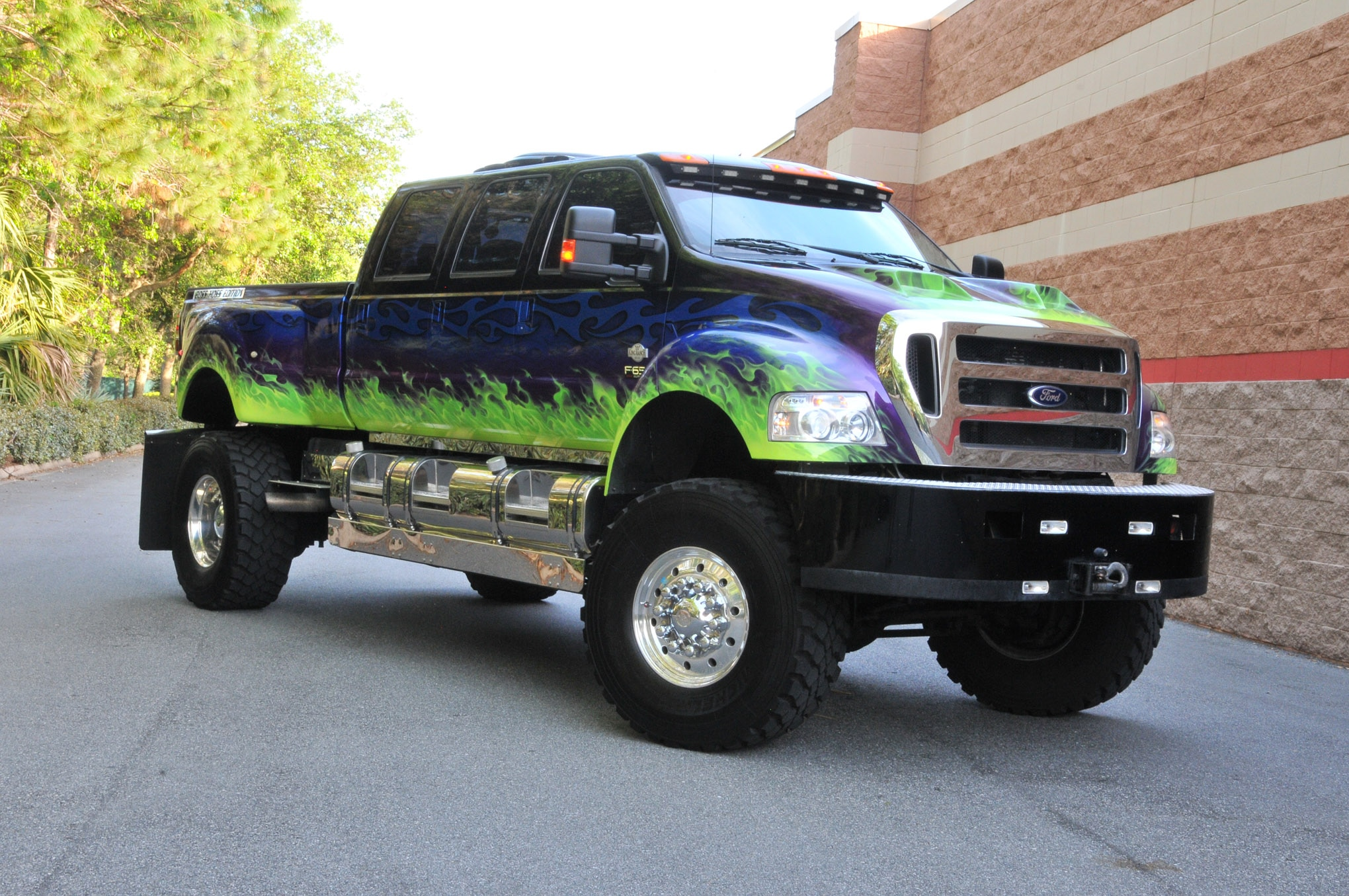 Big Ford Trucks >> Show N Tow 2007 Ford F 650 When Really Big Is Not Quite Enough