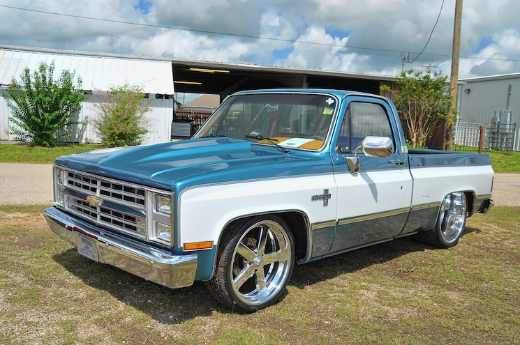 Showoff Chevy Square Body