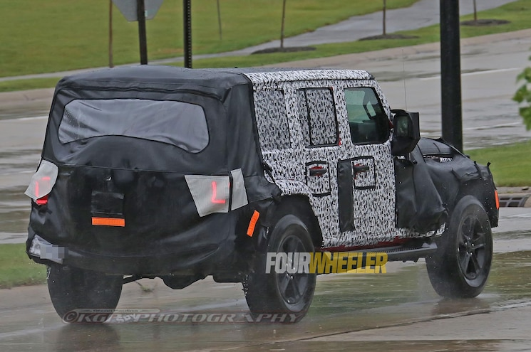 Spy Shots of 2018 Jeep Wrangler JL Show New LED Taillight Pattern