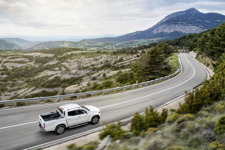 2018 Mercedes Benz X Class Top View In Motion
