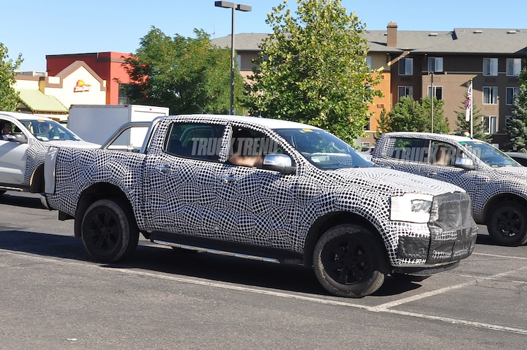 2019 Ford Ranger Wildtrak Front Quarter 02