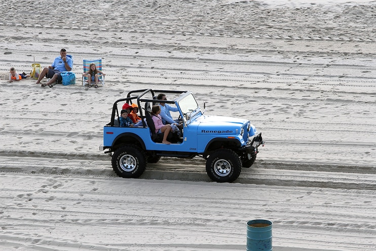 OCJeepWeek Beach Crawl Renegade