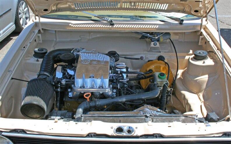socaleuro Meet 2009 Volkswagen Caddy Pickup Engine View