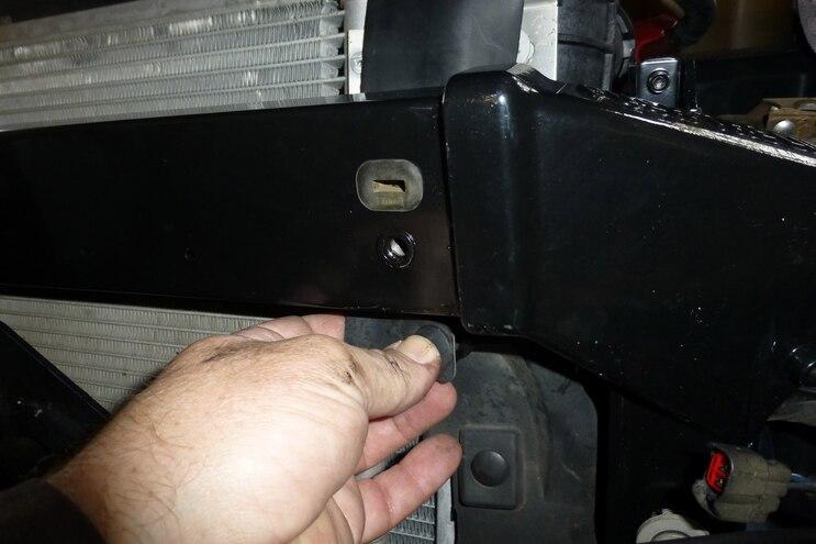 023 Mishimoto Power Stroke Upper Support Bar Installation