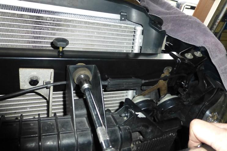 025 Mishimoto Power Stroke Upper Support Bar Installation