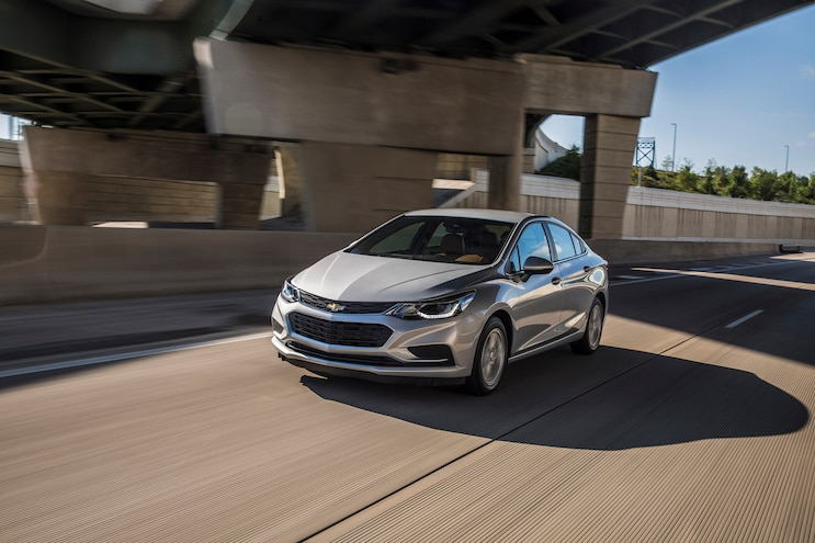 2018 Chevrolet Cruze Front Driver Side Motion