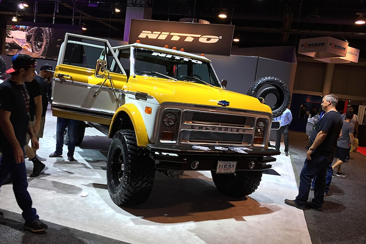 070 2017 Sema Show Custom Trucks And Suvs
