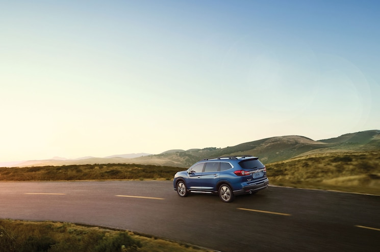2019 Subaru Ascent Touring Exterior Rear Quarter 01