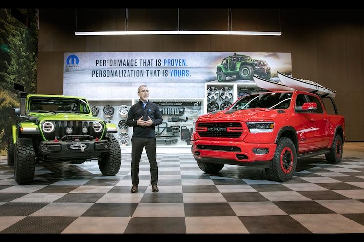 2018 Chicago Auto Show – Mopar Enhances 2018 Dodge Durango