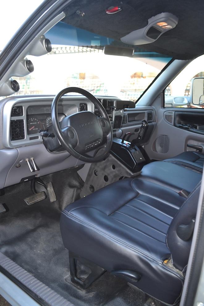 013 600 Hp 1994 Ram  Interior