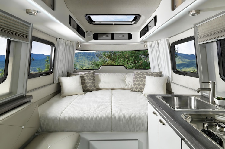 Airstream Nest Interior Bed Wingspan White