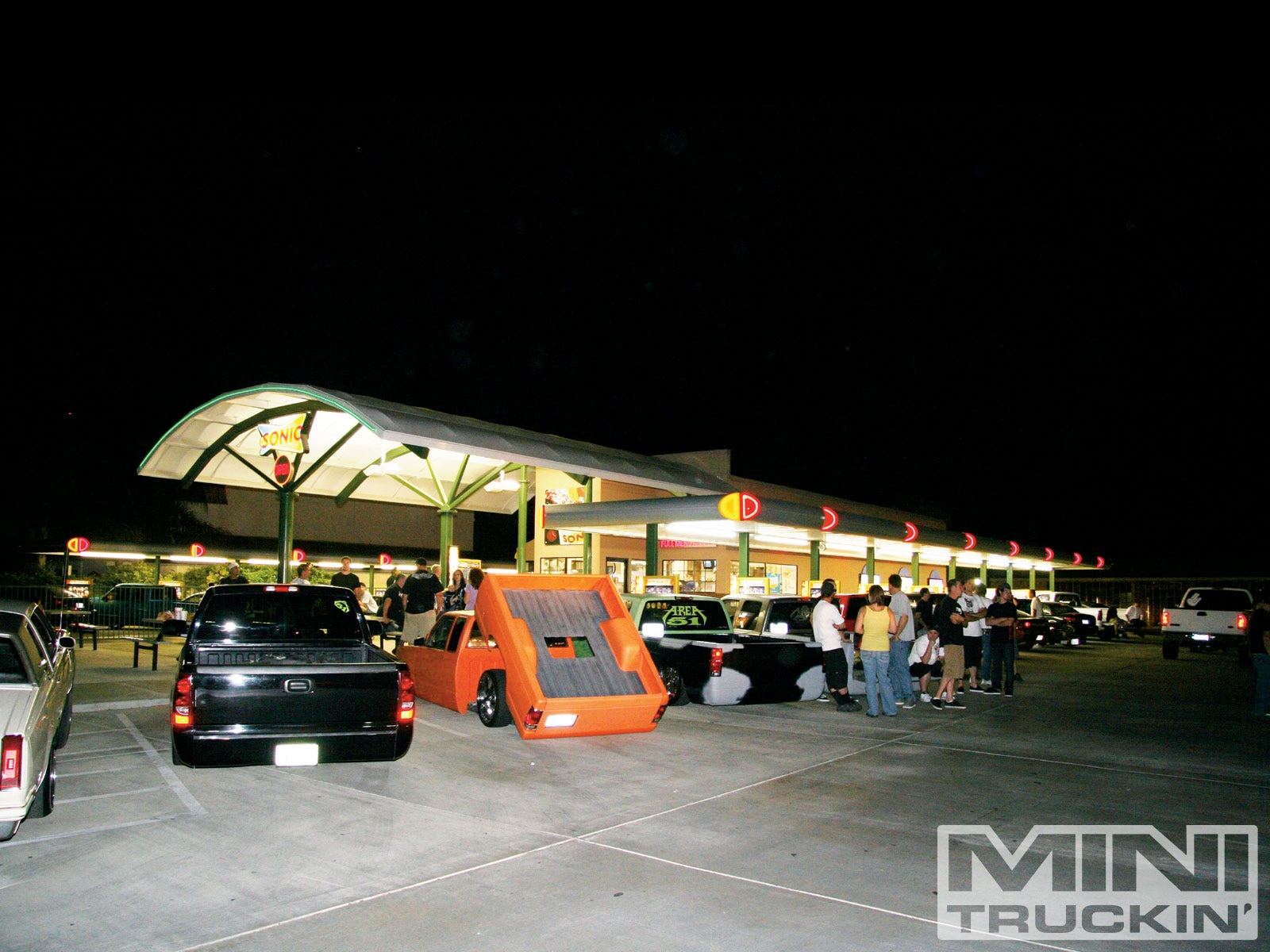 Bako Sonic Cruise Night