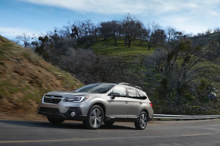 2019 Subaru Outback Front Quarter 03