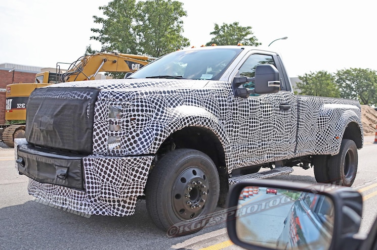 SPIED: 2020 Ford F-Series Super Duty in F-250 and F-450 Forms