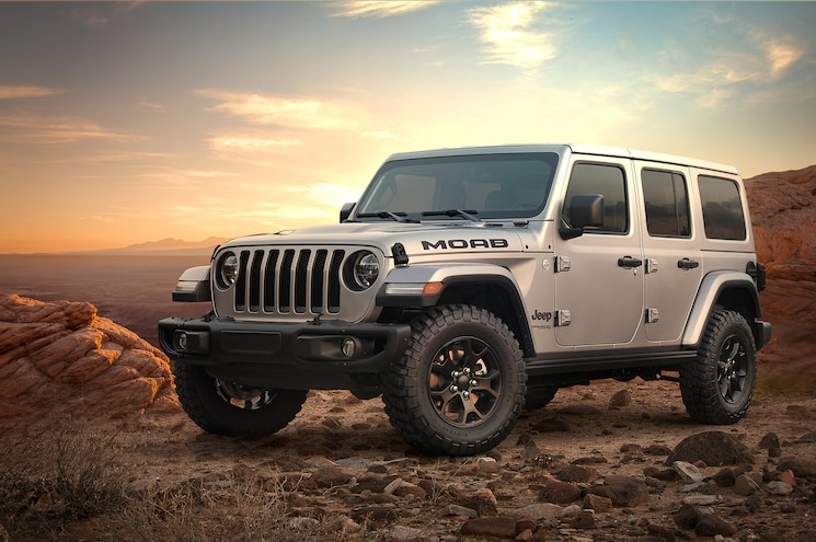 2018 Jeep Wrangler Unlimited Moab Edition Front Quarter 01